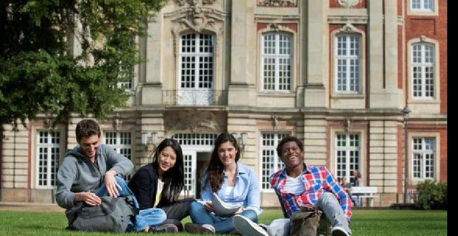 http://www.abcstudylinks.com/gallery/country/germany/large/country_germany_university_photos.jpeg