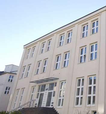 http://www.abcstudylinks.com/gallery/university/fachhochschule_des_mittelstand_(fhm)/small/university_fachhochschule_des_mittelstand_(fhm)_pic_1.jpeg